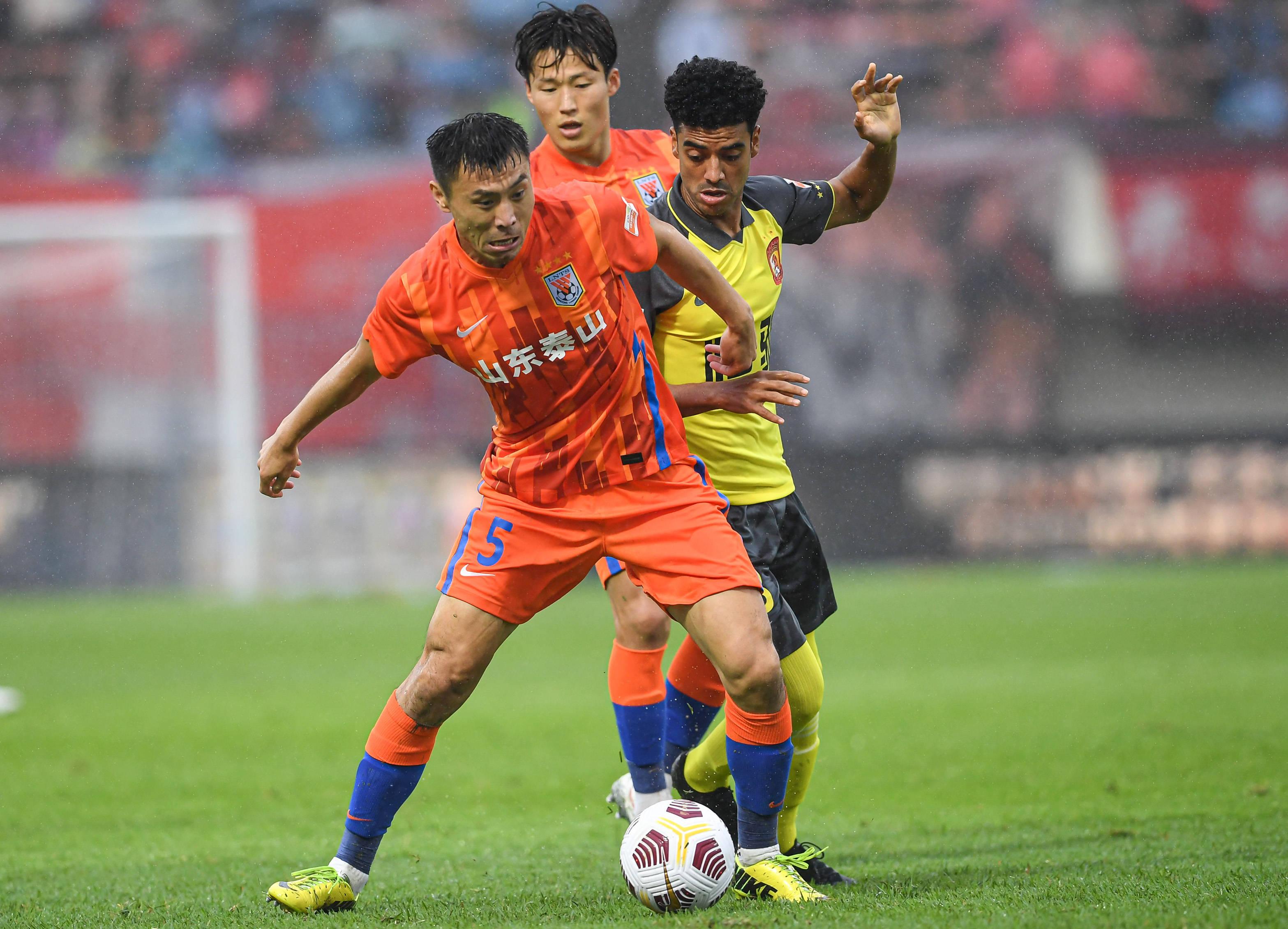 彭伟国:广州队缺少心气 他们和国安有相同软肋