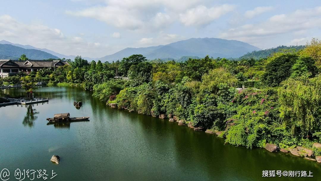 禅泉酒店如梦境般的园林景致,让人享静谧时光,回归自然