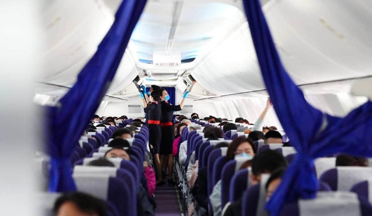 """最火爆""""五一""""来临 中国联合航空全力保障旅客出行"""