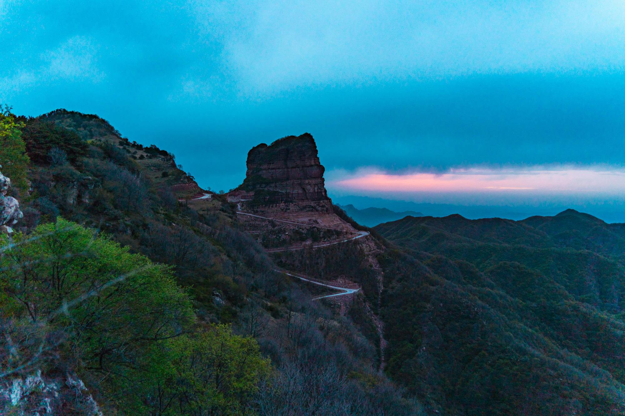 """""""数""""说周公山,2条上山路、3个传说8道风景"""