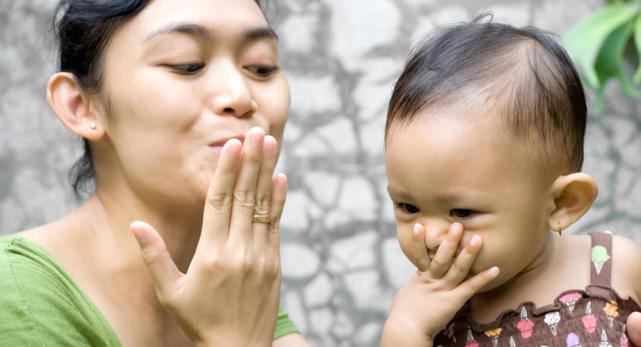 1-12个月宝宝发育特点、照护要点 出生第一年 家长必知育儿干货-家庭网