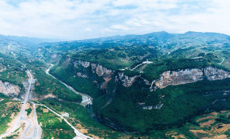 原创             自驾游贵州:俯瞰中国转折的力量,五日四晚,四渡赤水出奇制胜之旅