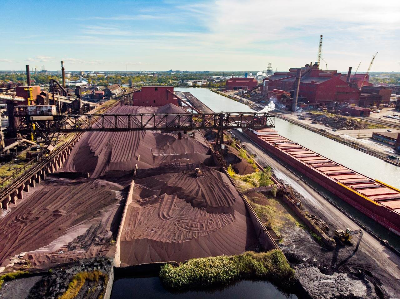 大宗商品价格暴涨,铁矿石价格冲到十年最高位,原材料要涨多久?
