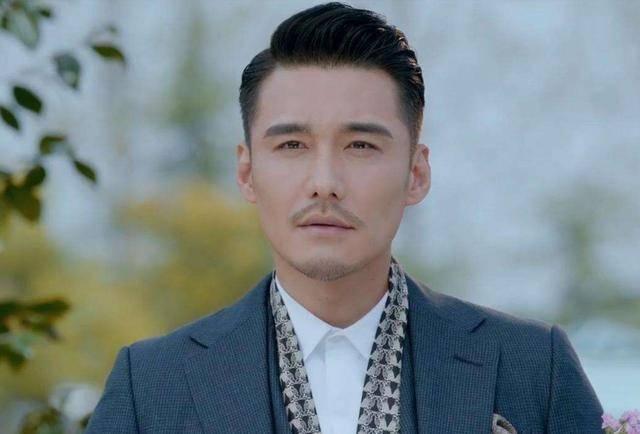 """""""第一男模""""因长得帅被英国富婆相中 离开中国的他 现状如何"""