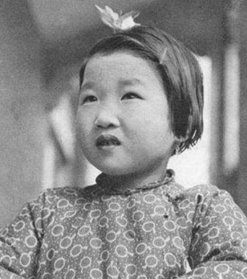 罕见真实老照片:4岁被送入婆家,一生孤苦无依,任人摆布
