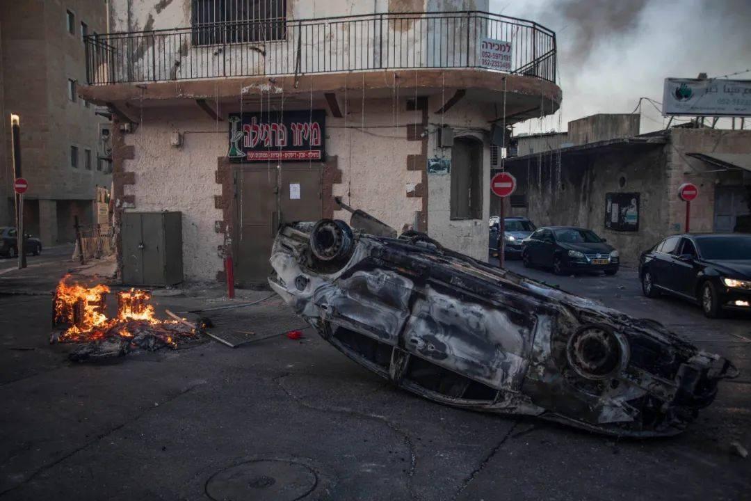 美国炸弹炸了美国媒体大楼,哈马斯攻击范围扩大,多国内乱升级!