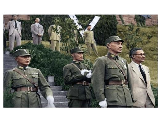 为了推翻蒋介石,一年半发生了五场内战,竟都被这个人扑灭了