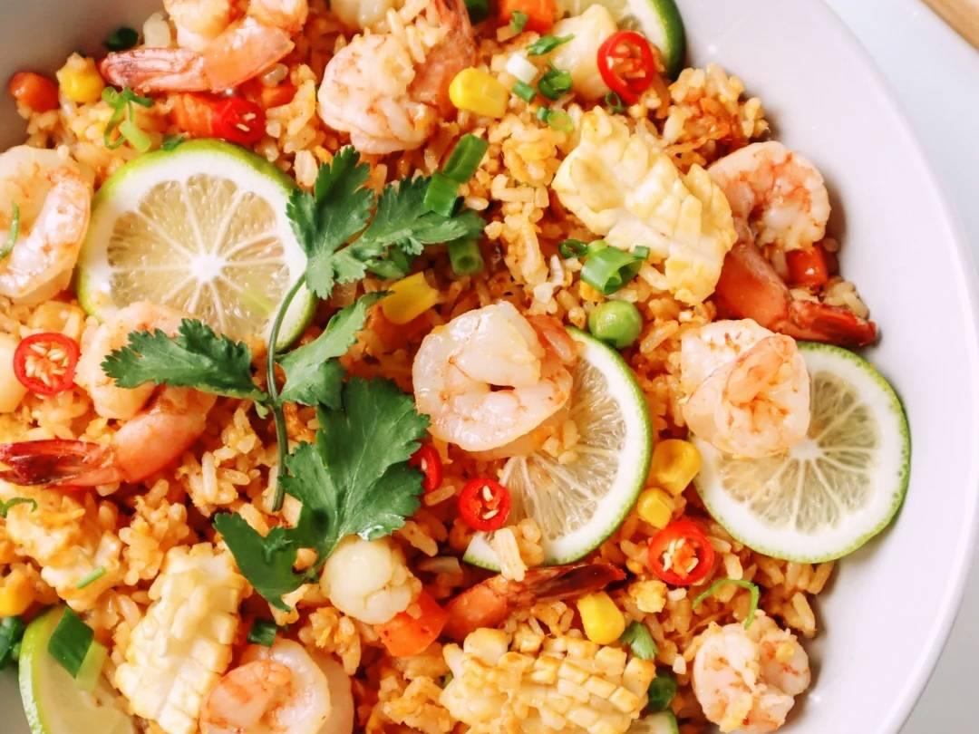 健康减脂餐:泰式冬阴功炒饭,虾仁玉米藜麦饭,藜麦鸡胸肉炒饭