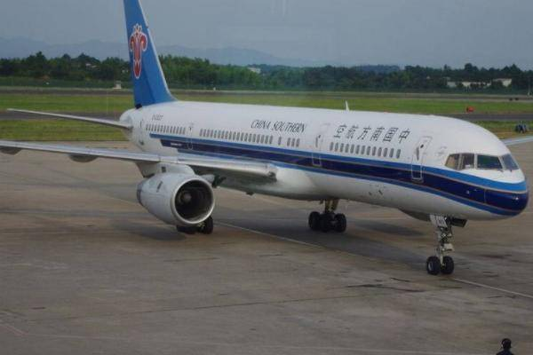 若一趟航班只卖出一张机票,还能正常起飞吗?机长说出答案
