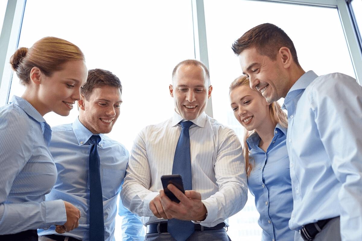 梦见单位领导和同事 梦见上司和同事什么预兆