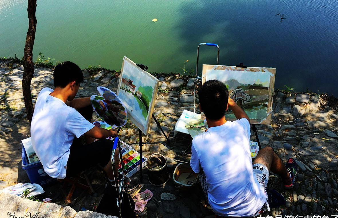 梦见别人画画 女人梦见看别人画画