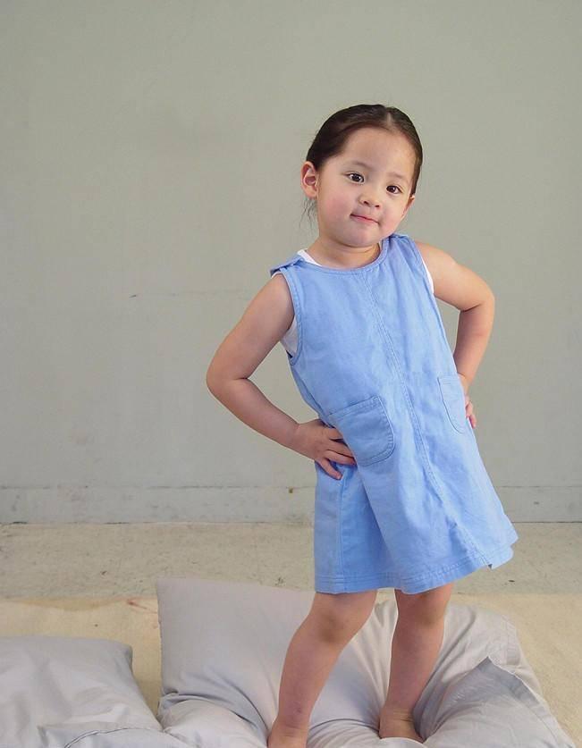 欧阳娜娜小时候已经够可爱了?看到热巴小时候,简直就是SD娃娃