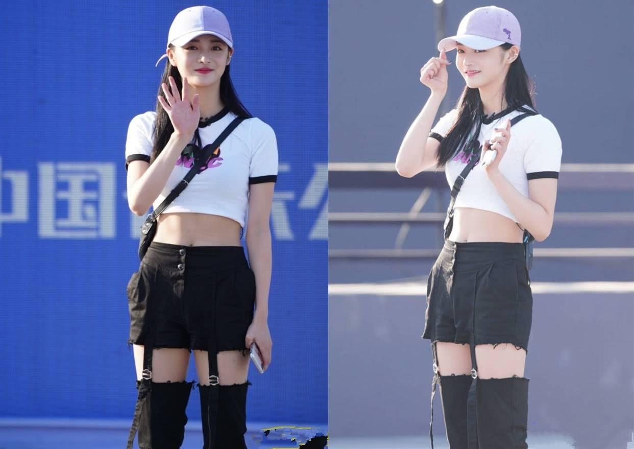 周洁琼穿露脐装炫腹,气质清新又少女,网友:够时髦!