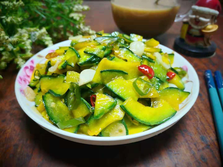 夏天黄瓜丝瓜靠边站,多吃这瓜,明目解暑降三高,中老年人要多吃