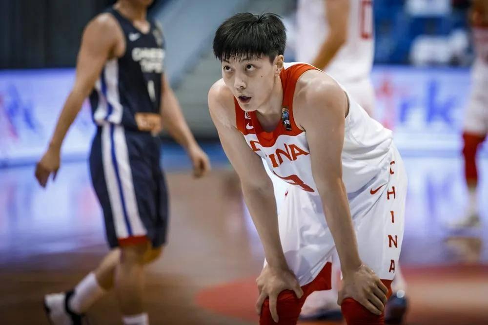 胡明轩:亚预赛与联赛有三点差别 感激球迷撑持男篮