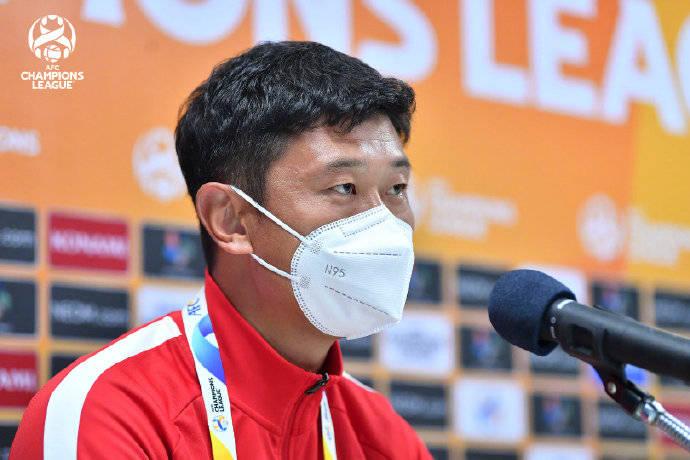 广州青年军主帅:比赛很遗憾 球员面对机会太紧张