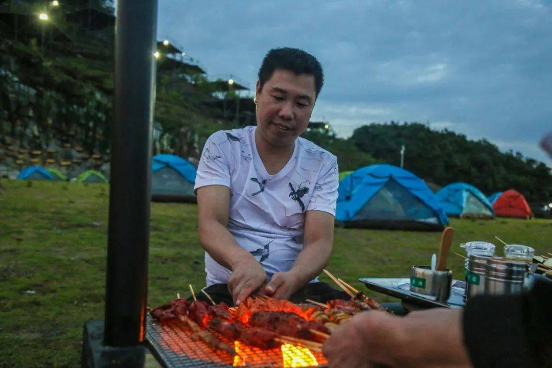 遛娃新地标!2天1夜星空露营 成都自驾2.5h抵达均温21℃的避暑宝地!-家庭网