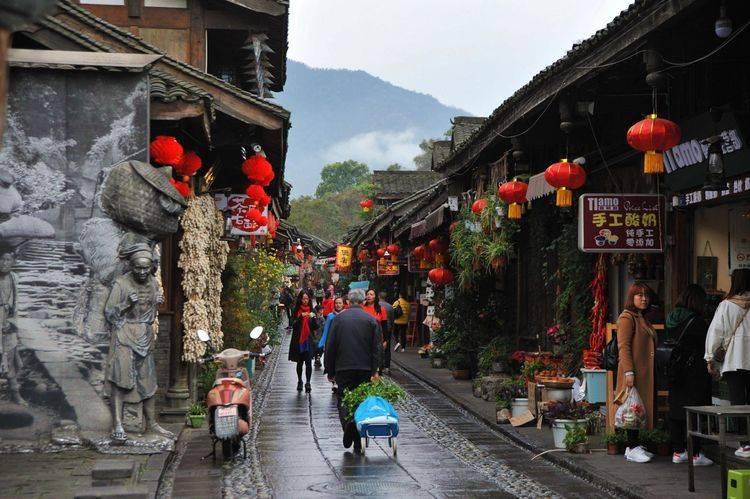 """藏在都江堰的一条老街,百年历史被称""""茶马道首街"""",就在成都"""