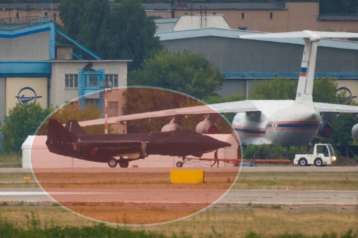 俄新型军机揭开神秘面纱,沈飞舒了一口气,歼-31表示毫无压力