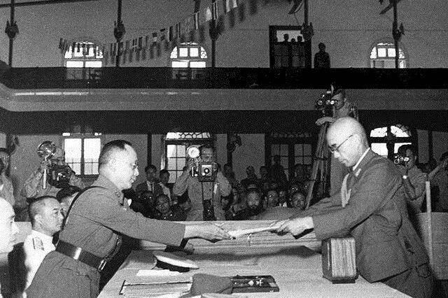 二战日军投降被遣送回国,携带这3样东西的,直接被当场枪毙