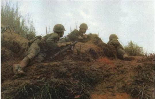 5名战士遇上一个连越军,毙伤敌63人,打出两个一级战斗英雄