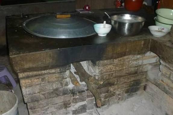 婆婆厨房有个酒坛子,怎么喝也喝不完,2个月后,和尚道出真相