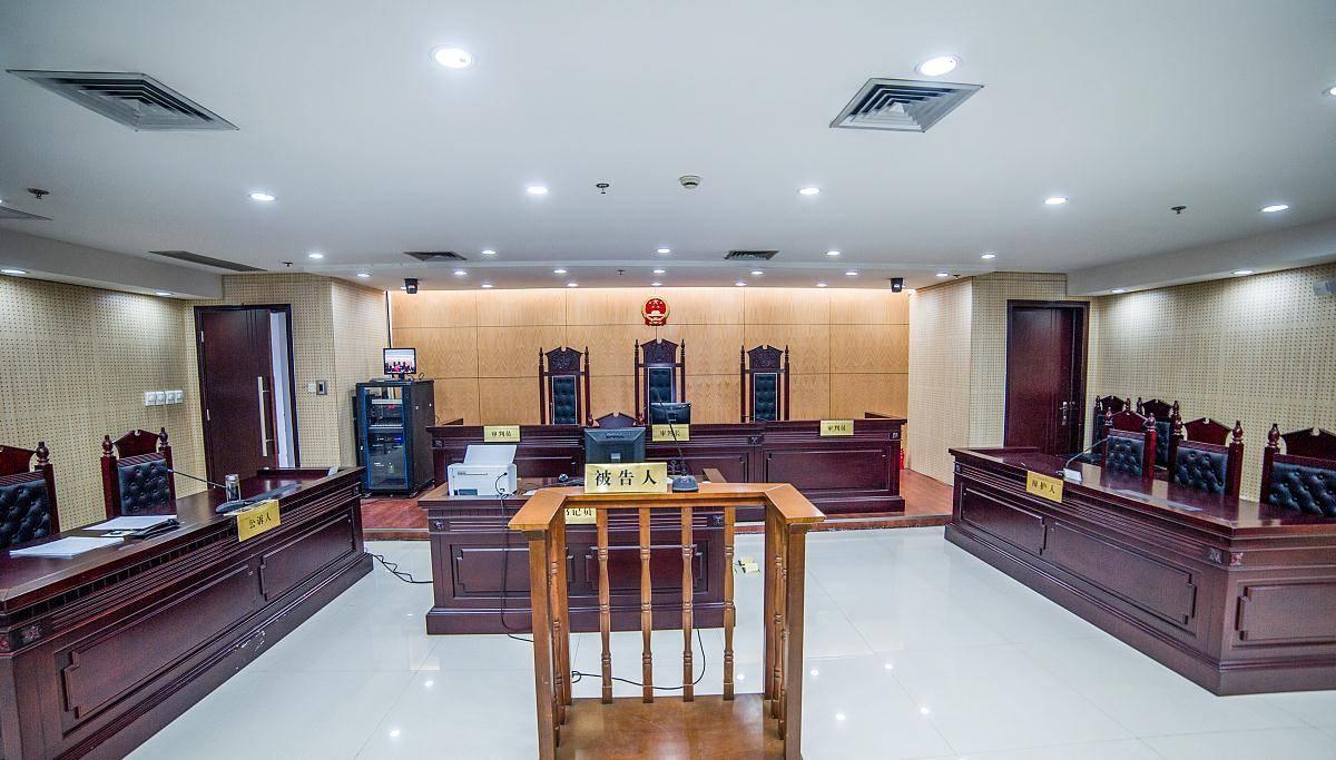 上海一男子按揭购房首付50余万,合同名字写错无法贷款,代价惨痛