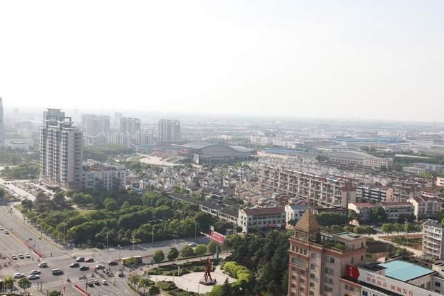 北京封控10小区!张家界劝返1.19万人!江苏封21个高速口