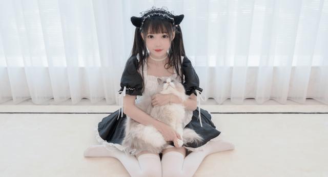 图片[2]-B站元老级舞姬咬人猫,如今只能靠麻花辫学生装吸粉,经历了什么-妖次元