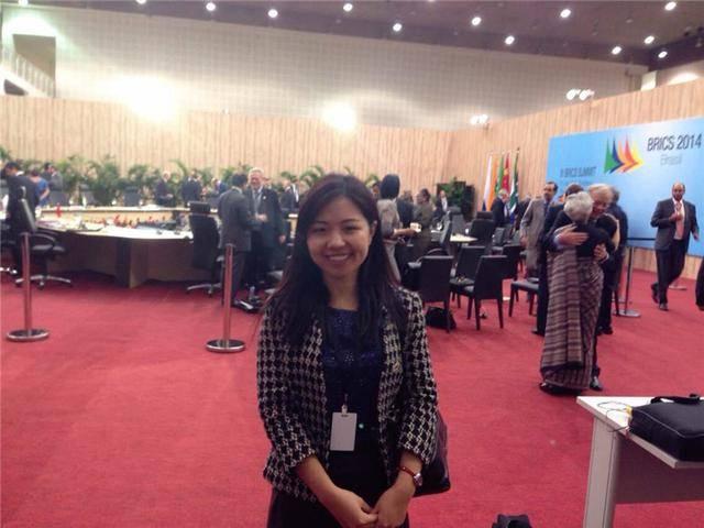 """2014年在巴西举办的""""金砖国家领导人第六次会晤""""同声传译。受访者供图"""