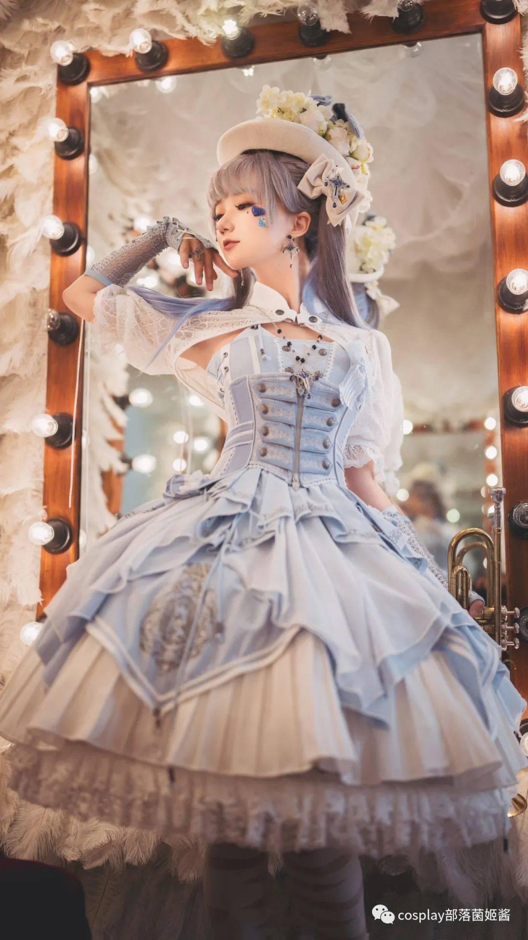 Lolita:马戏团里双子的秘密