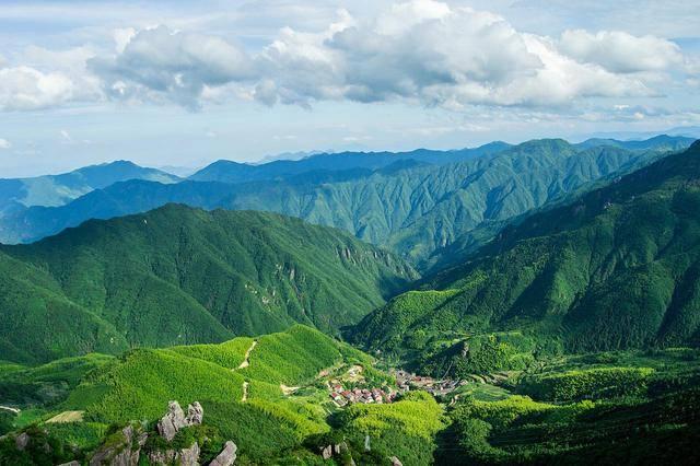 浙江很受欢迎的山,山上建有全国第四大风力发电场,不收门票