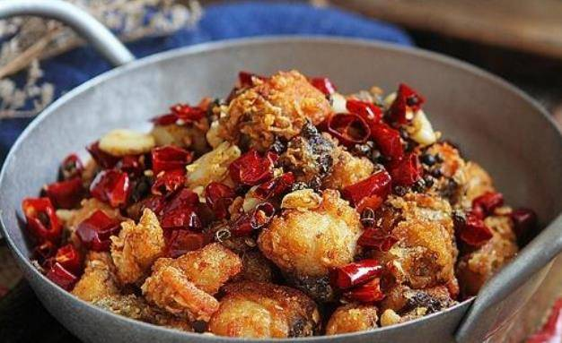 鱼肉的美味做法,又香又酥香辣美味,下酒又下饭,一盘根本不够吃