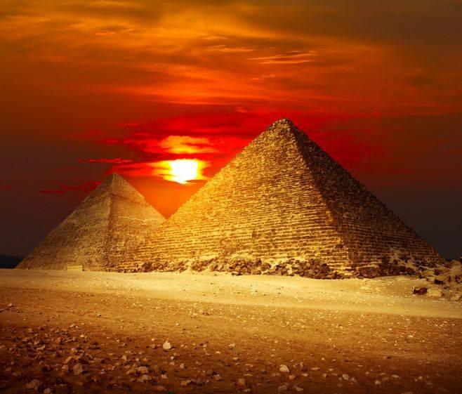 关于埃及金字塔的未解之谜