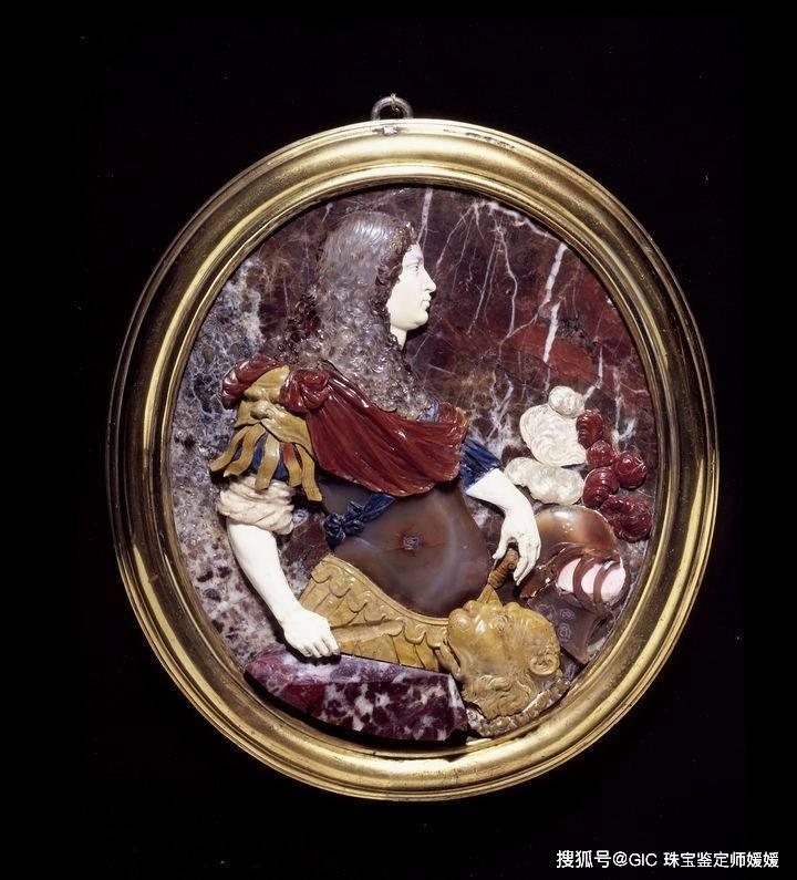 这种西方的珠宝首饰,成为欧洲贵族最爱,雕刻手艺达到千年的巅峰