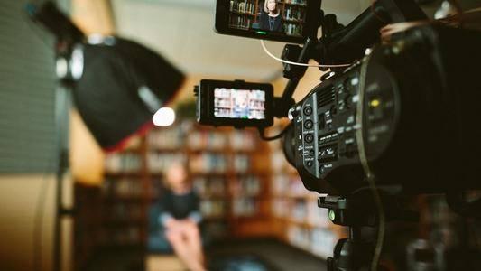 优享学院:如何低成本做短视频创业?如何在经费和拍摄器材间取舍呢?