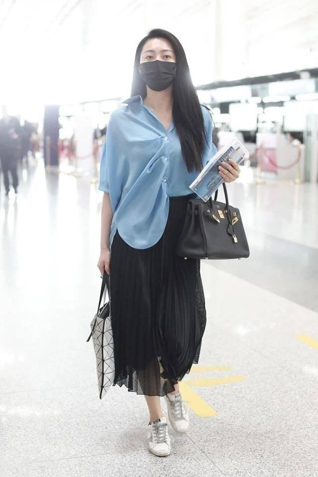 黄梦莹开创衬衫新穿法,配长裙塑造高级典雅气质,这样搭配好知性
