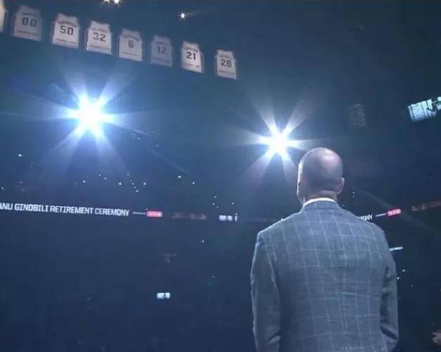 马刺官方宣布,马努-吉诺比利将以篮球运营特别顾问身份回归,主