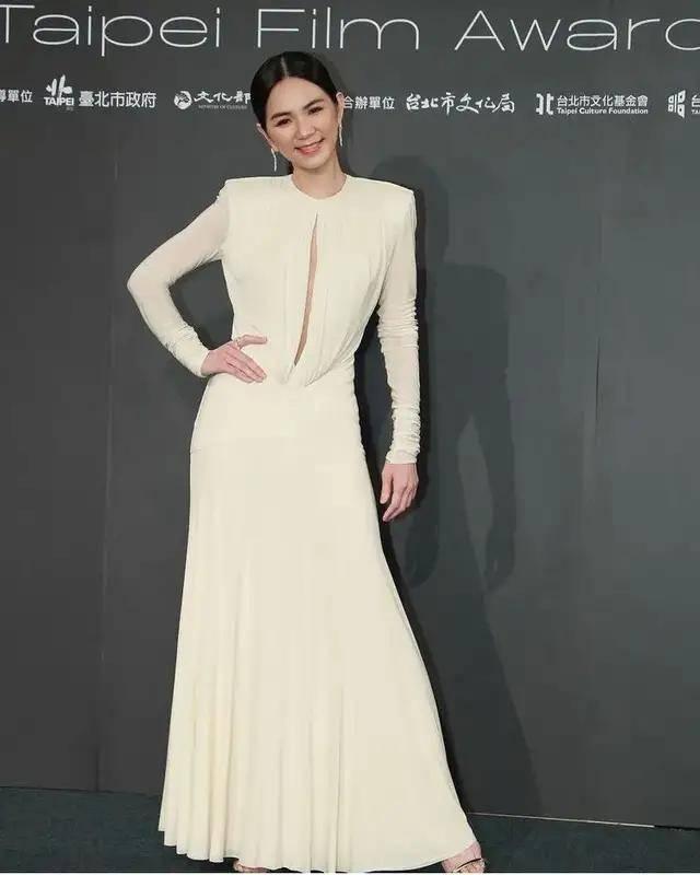 图片[9]-林心如变脸认不出,人均又土又俗,台北电影节红毯,把我丑笑了-妖次元