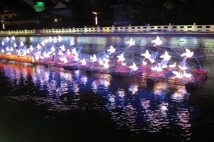 太美了!盘龙江夜游回归!芦苇灯、萤火虫点亮盘龙江!