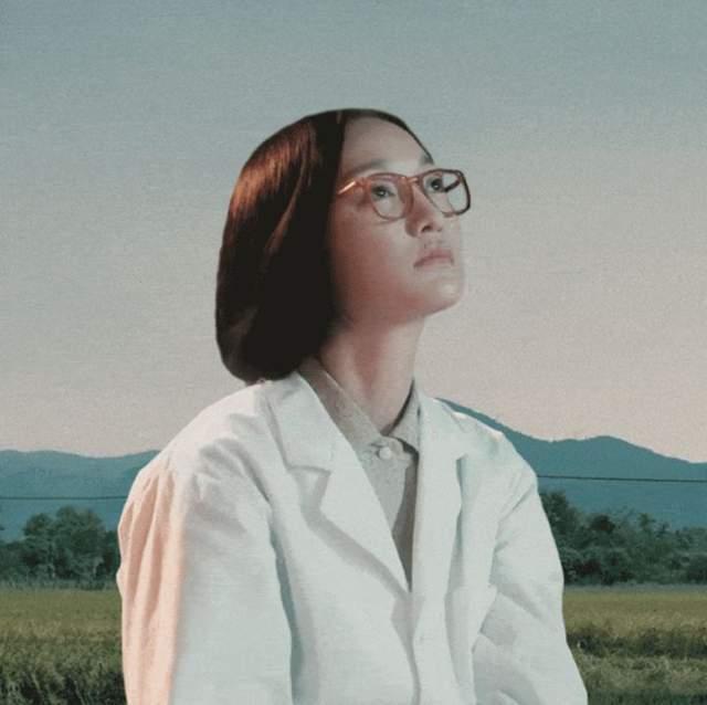 功勋:周迅版屠呦呦,演活了女科学对科研的执着及对家人的亏欠