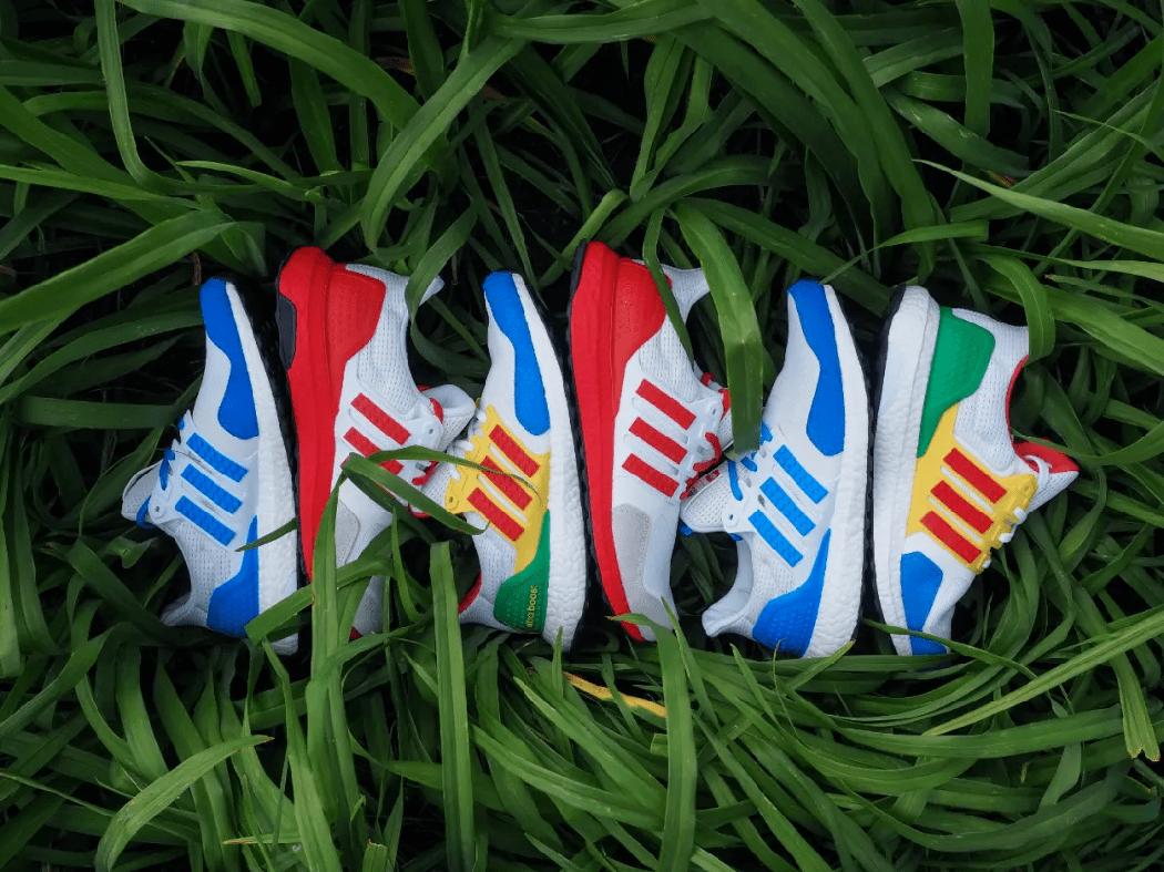 阿迪达斯官网推出 LEGO联名系列跑鞋,纵享趣味童年