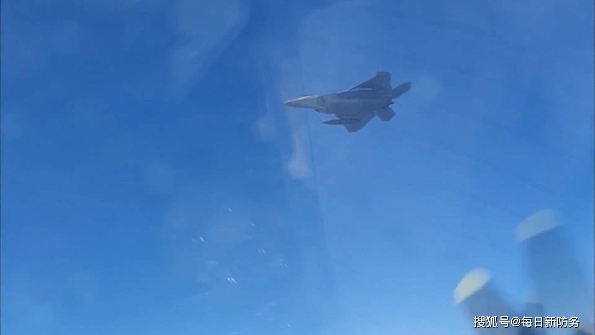 F-22惨遭米格-31戏耍,却无能无力,俄将美防空识别区当自家花园