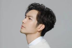 47歲鍾漢良穿著青春潮流,忘記曾出演過流星花園,網友:紅太久了