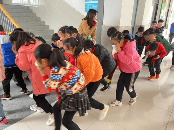 关注消防,生命至上——湖北荆门望兵石学校开展消防应急疏散演练