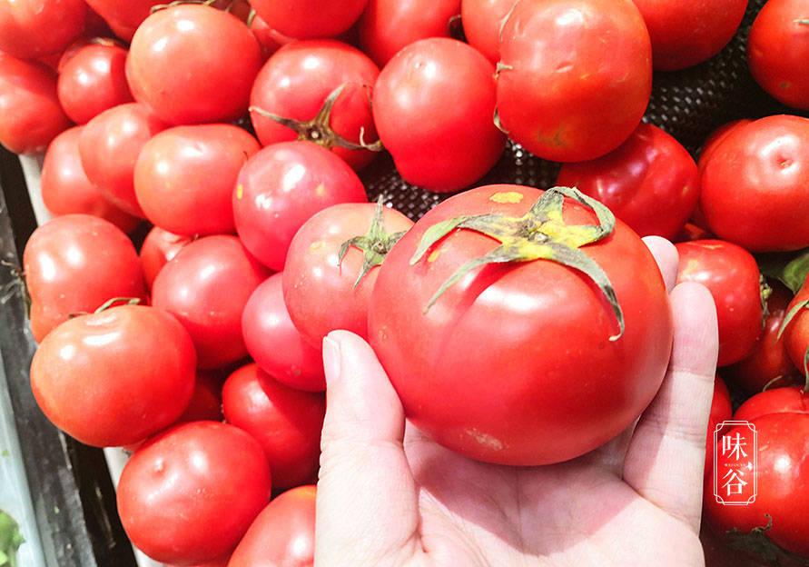 """买西红柿,就要挑""""母""""的,牢记这4点,西红柿香甜多汁还起沙"""
