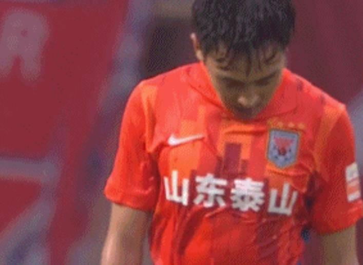原创             吴兴涵昨晚再现1世界级停球:大部分本土球员都难做到!
