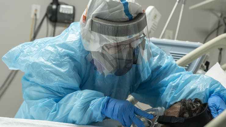 """美传染病专家:未接种疫苗者很可能成为""""病毒变异工厂"""""""