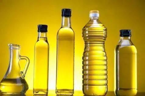 现在提倡低油饮食,但各类油还是很重要,哪一种油更健康?