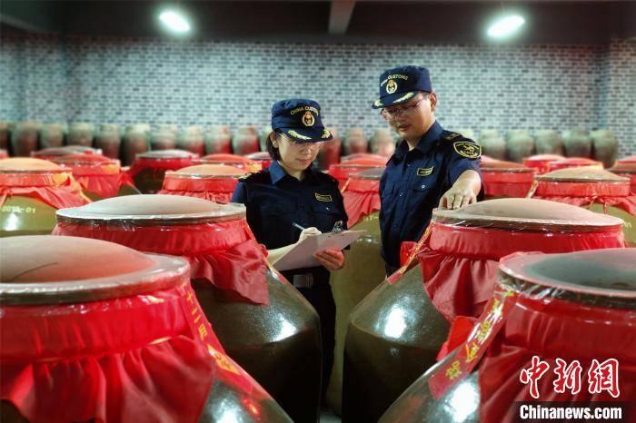 江西酒类产品首次出口到美国